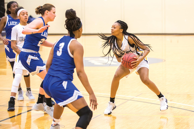 Vanecia Billings playing basketball
